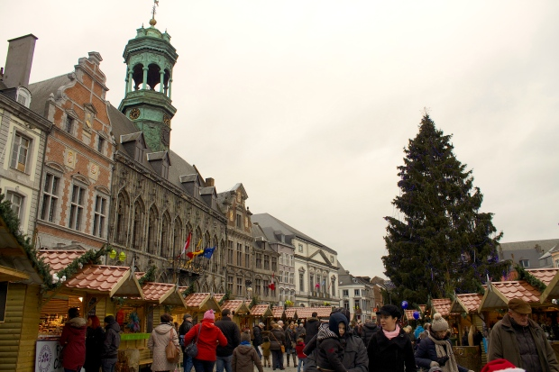 a mons market